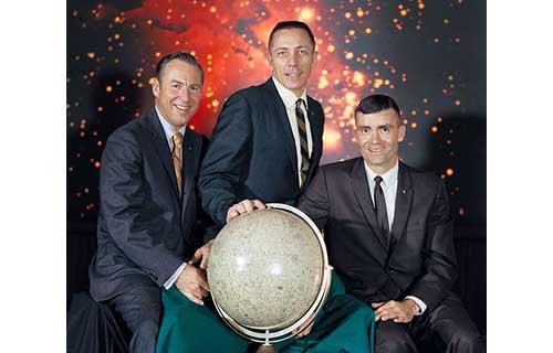 左からラヴェル船長、スワイガート、ヘイズ NASA - Great Images in NASA Description