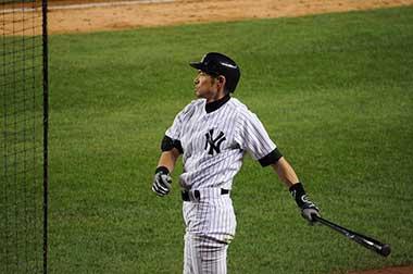 ヤンキース時代のイチロー、2012年7月Ichiro on deck as a New York Yankee Author:Thousandrobots